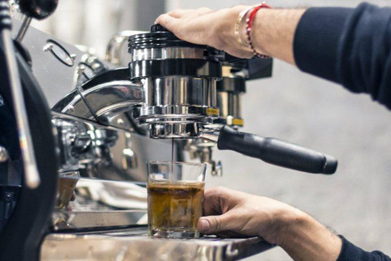 Servis a údržba kávovarov